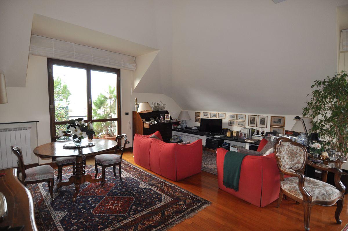 Agenzie Immobiliari Arezzo immobiliare zb viale arezzo, nel verde vendita villa