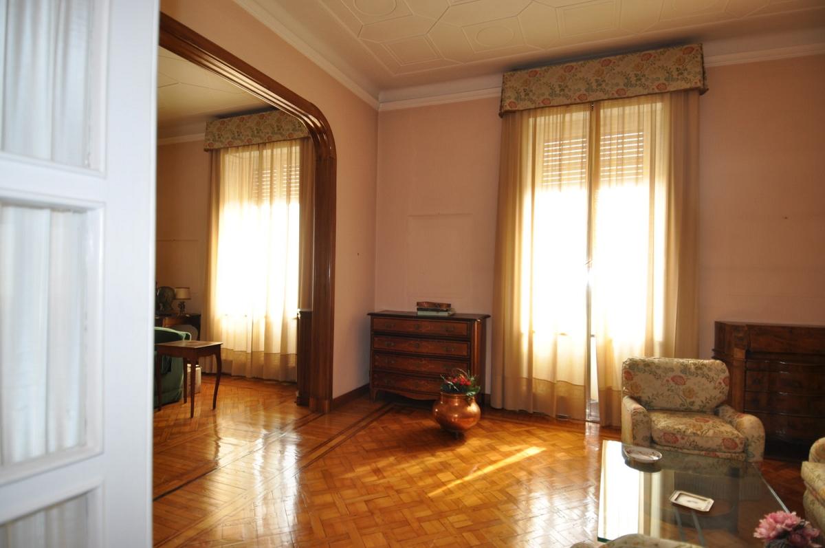 Immobiliare ZB Corso saffi, Appartamento con terrazzo al piano cerco ...