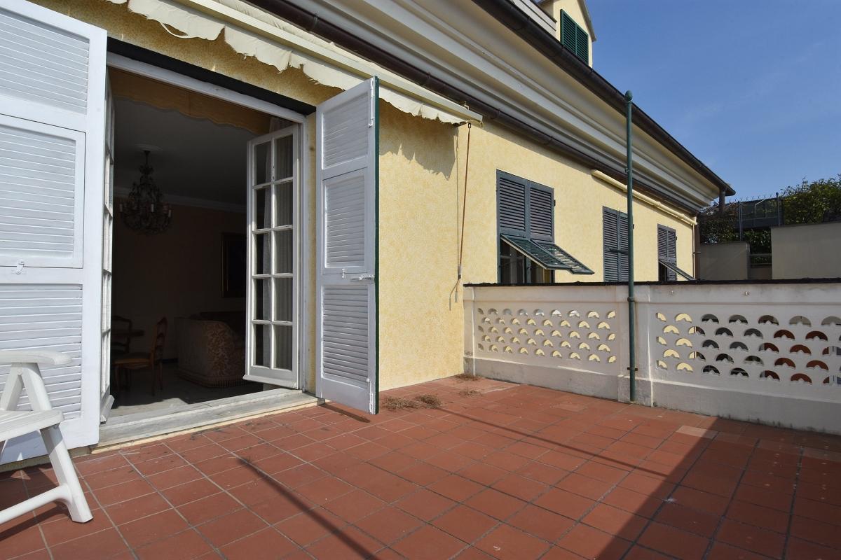 Immobiliare zb via san vito panoramico appartamento con terrazzo al piano agenzia immobiliare - Appartamento con giardino genova ...