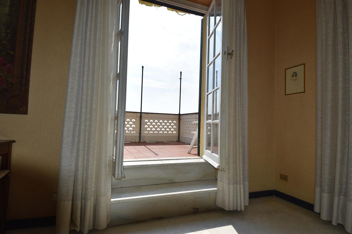 Immobiliare ZB Via San Vito, panoramico appartamento con terrazzo al ...
